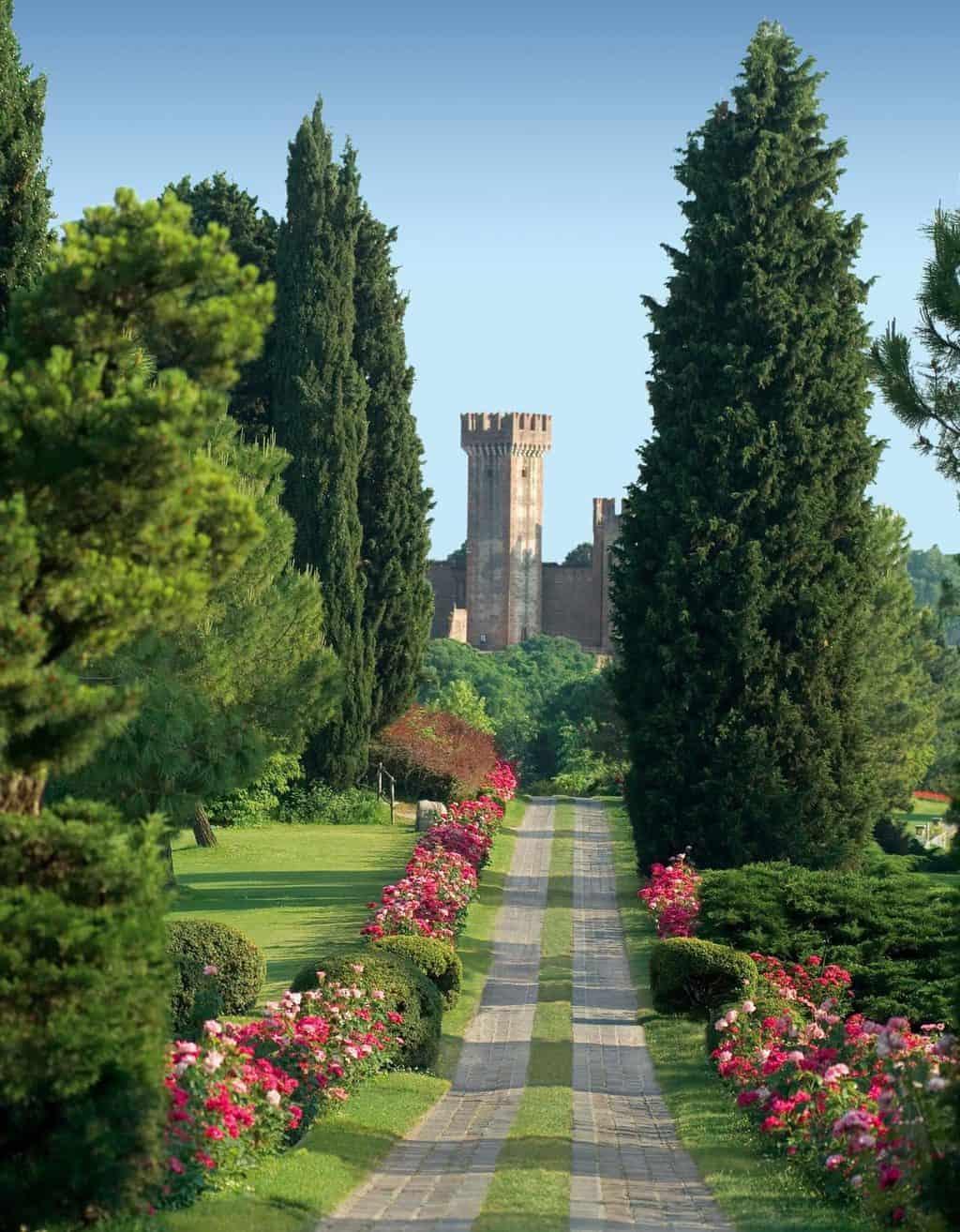 Castello di Valeggio da Parco Sigurtà