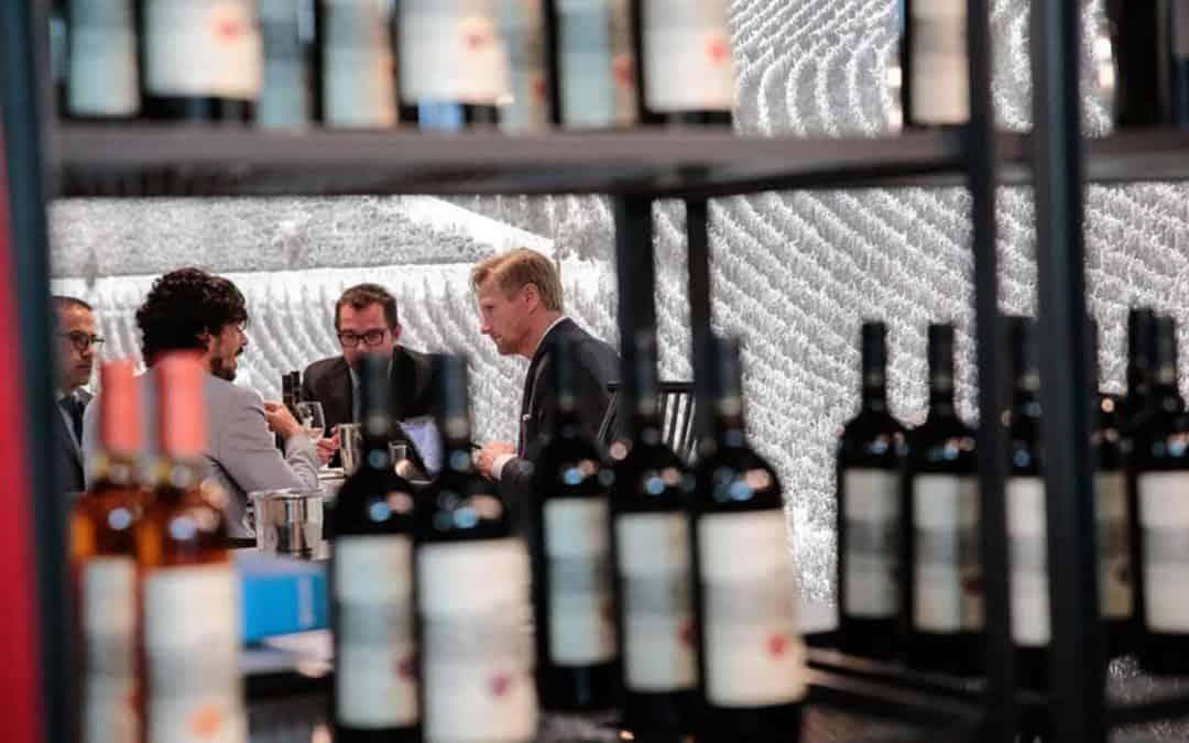 Vinitaly, l'82% degli italiani sogna di produrre vino. Tra i Vip dello sport anche Malesani con il Valpolicella