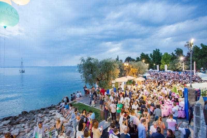 """""""Aperitivo Sotto le Stelle"""" il 7 agosto a Bardolino. Via alla prevendita dei biglietti"""