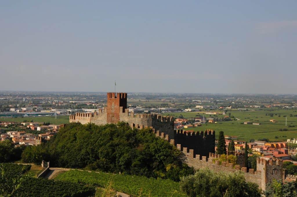 Castello di Soave, cicloturismo, vino Soave