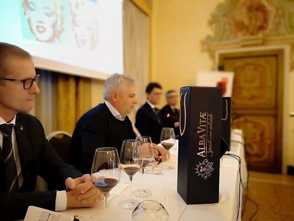 AIS Veneto con Alba Vitae 2018: bottiglia magnum Kairos 2015 per sostenere ABEO Verona