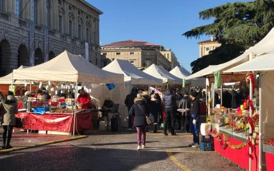 Eventi Verona: Banchetti di Santa Lucia e Mercatini di Natale in centro. Alla scoperta degli stand nella città antica