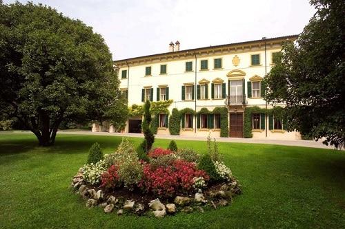 Vini veronesi, la Casa Vinicola Sartori compie 120 anni all'insegna della tradizione. Produce 16 milioni di bottiglie