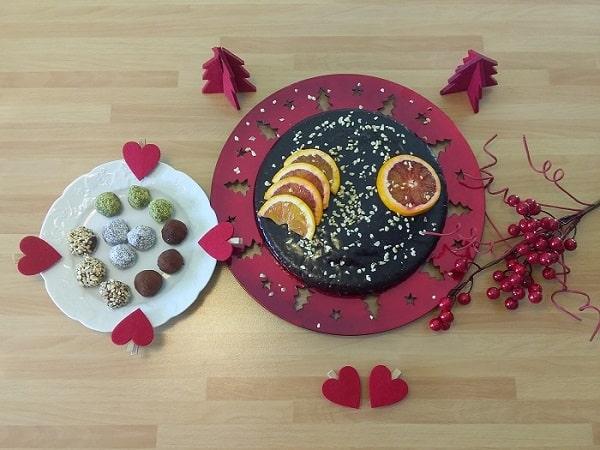 """Torte di Natale: ricetta francese. Come cucinare la torta natalizia (o di Capodanno) all'arancia con glassa al cioccolato e """"truffes au chocolat"""""""