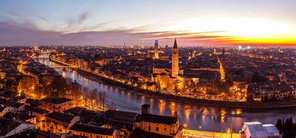 Verona - guida turistica alla città scaligera - chiese, monumenti, cultura