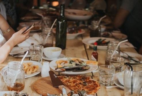 Vino e cibo, in futuro potremo controllare la qualità con il nostro smartphone. Un laser di Enea contro le frodi su cibi e vini