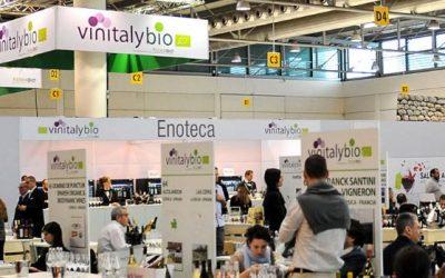 """VinitalyBio, vendite di vino biologico salite del 18%. Svolta """"green"""" nel bicchiere. Protocollo fra Coldiretti e FederBio per garantire il """"bio"""" dalle frodi"""
