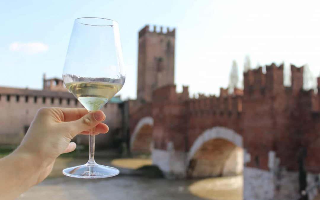 Vinitaly and the City 2019. Dal 5 all'8 aprile il fuori salone del vino. Gli eventi nel centro storico di Verona: la guida per assaporarne ogni attimo