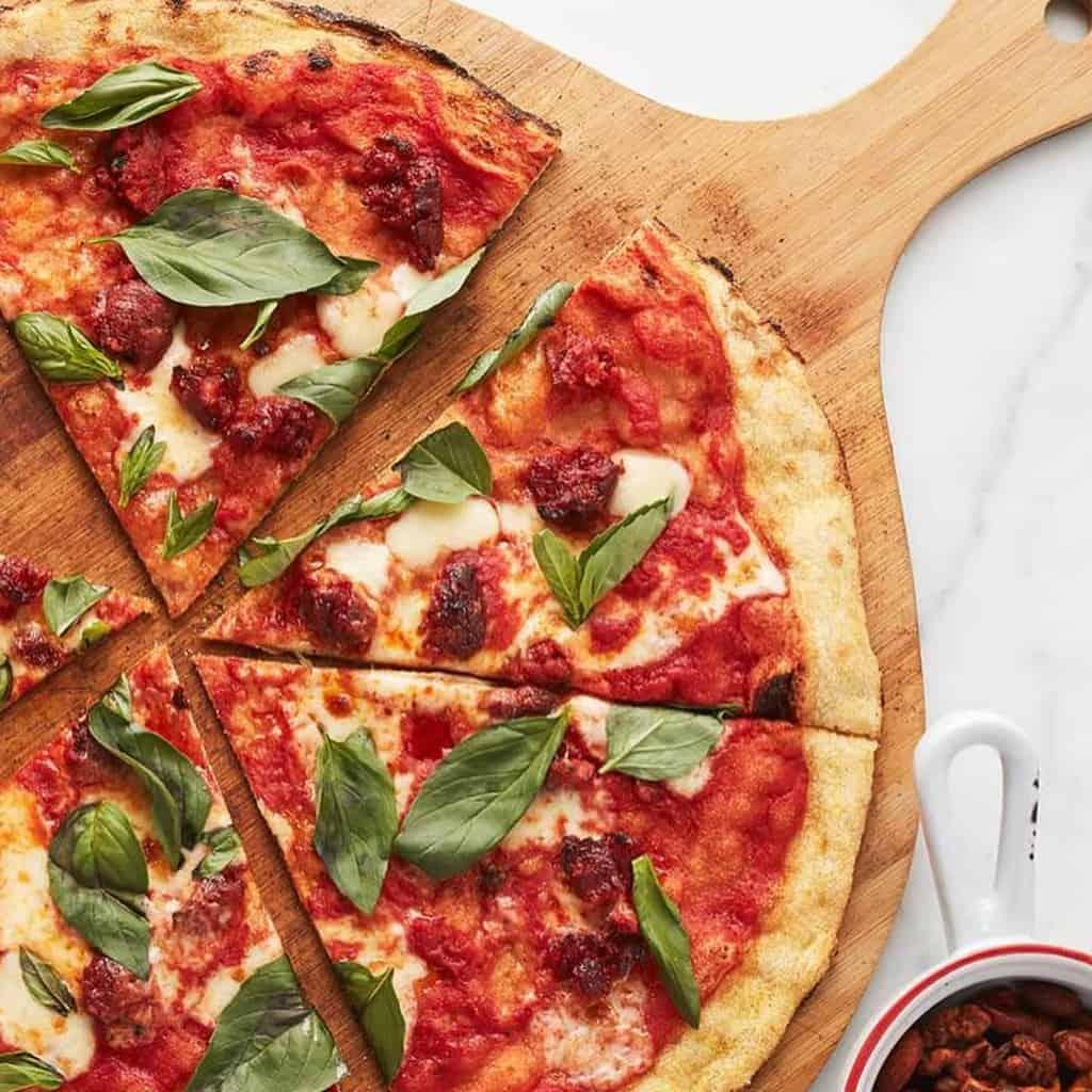 Ricetta pizza. Pizza fatta in casa, dall'impasto pizza alla cottura