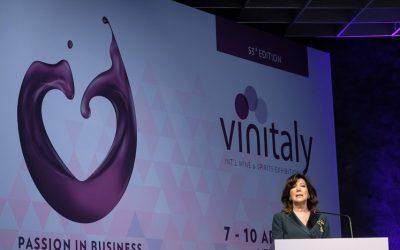 Inaugurato il 53° Vinitaly con Hogan, Casellati, Conte, Salvini, Centinaio e Zaia. Visita di Di Maio. La promozione del vino italiano nel mondo passa da Verona
