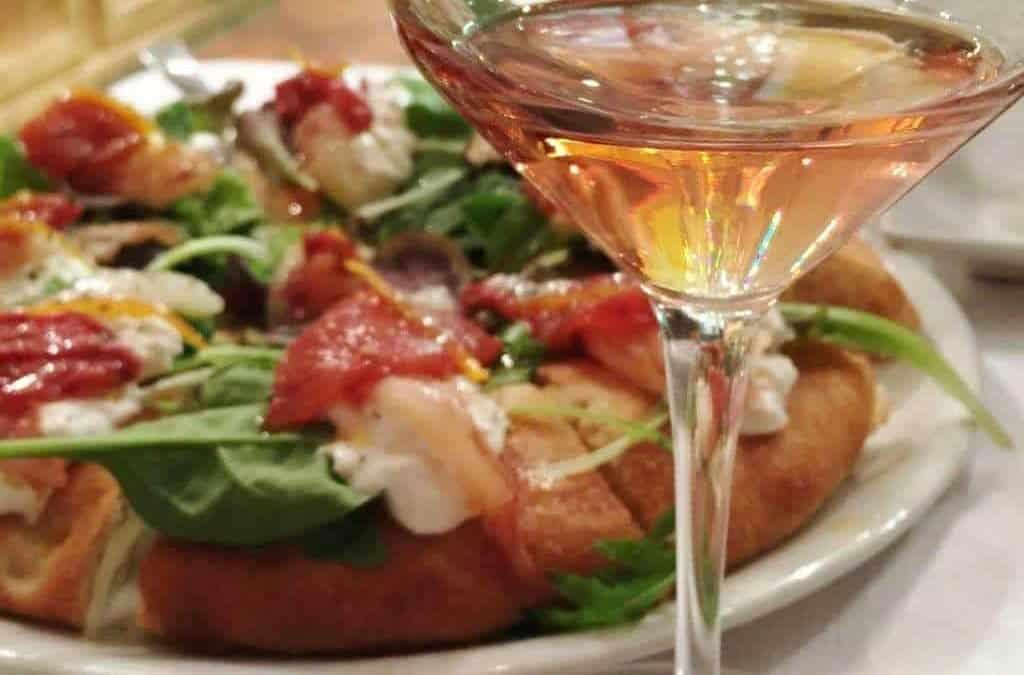 Ricetta pizza e vini veronesi. L'abbinamento fra pizza e vino è più corretto rispetto a quello tradizionale con la birra. Scopri perché…