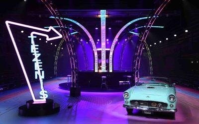 Il Museo Nicolis di Verona in passerella al Tezenis Fashion Show. L'intramontabile Ford Thunderbird incarna il sogno americano