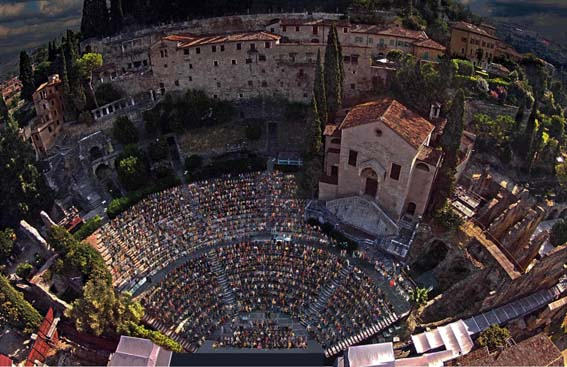 Estate Teatrale Veronese: Prosa, Danza e Musica. Artisti d'eccezione fra Teatro Romano e Teatro Camploy. Il calendario degli spettacoli fino al 28 settembre 2019
