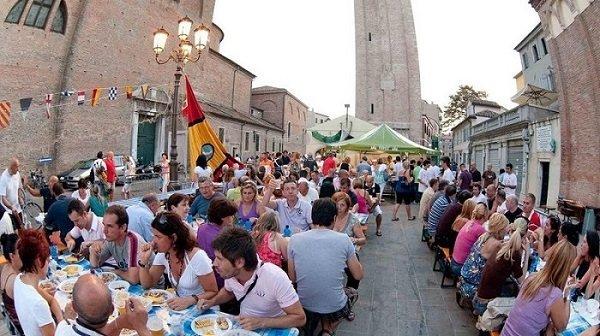 Chioggia - Sagra del Pesce - 2019 - tavoli da pranzo 1