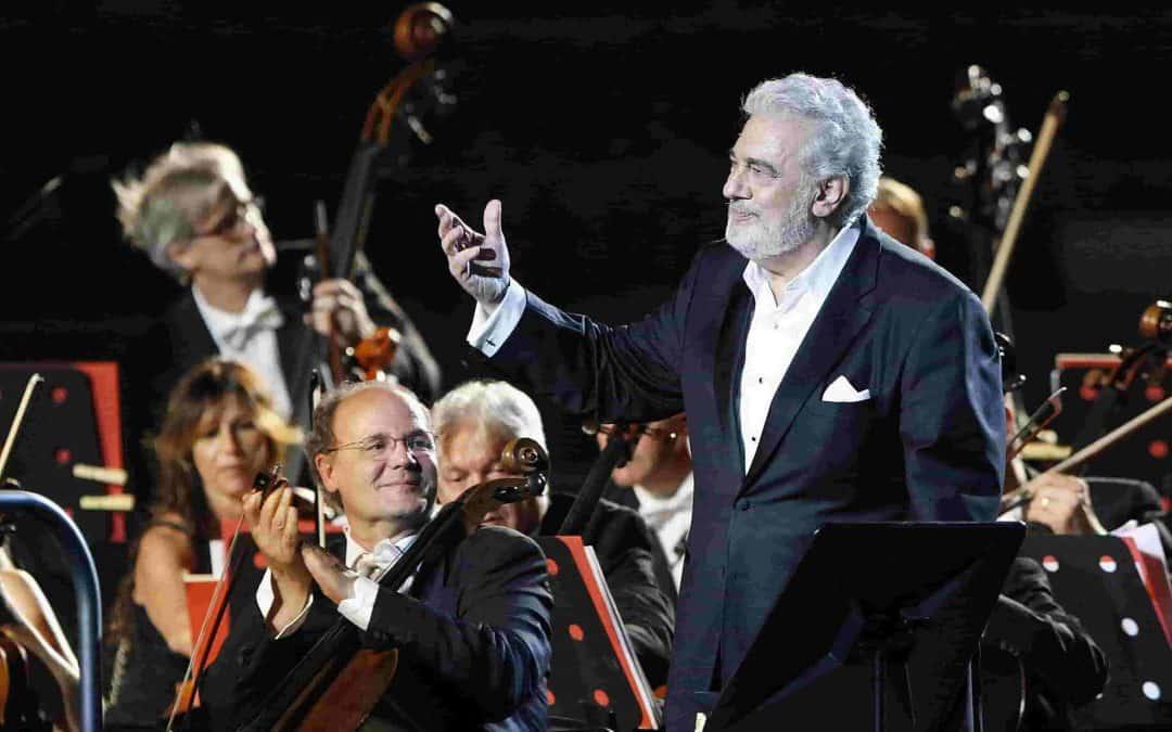 Plácido Domingo all'Arena di Verona per i 50 anni dal suo storico debutto. Una serie di serate con uno dei più grandi artisti d'opera di tutti i tempi