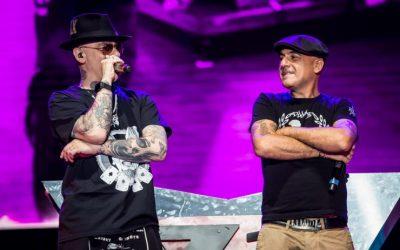 """J-Ax e Articolo 31 all'Arena di Verona. Domenica 14 luglio lo storico duo è stato di nuovo insieme nel tour della """"reunion"""". Un concerto ricco di emozioni e passione"""
