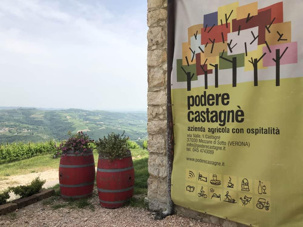 Podere Castagnè, a Mezzane di Sotto (Verona), di proprietà dell'azienda vinicola Corte Sant'Alda che produce vini Valpolicella e vini Soave