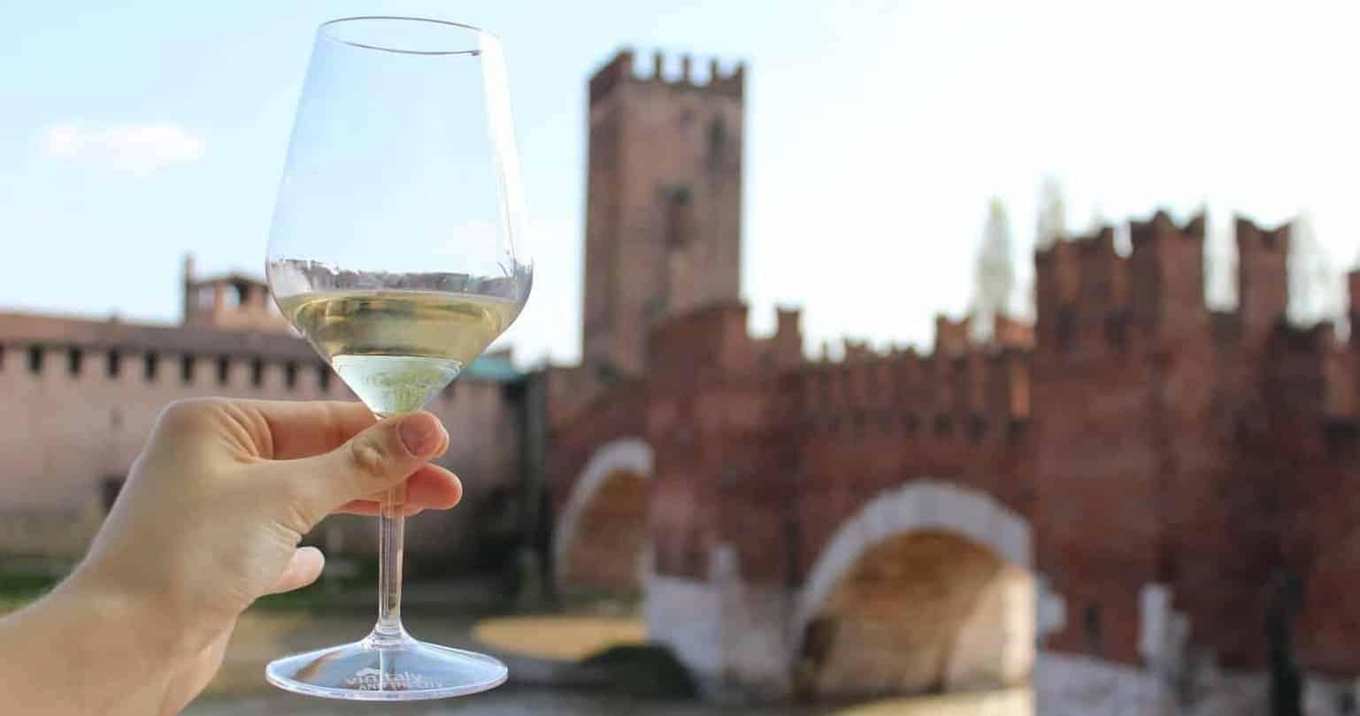 Verona-Ponte di Castelvecchio-Verona città dell'enoturismo