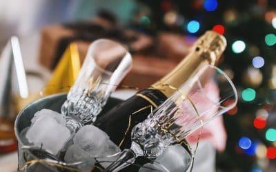 Idee per i regali di Natale: vini, spumanti e gastronomia. Ma anche vacanze, viaggi e abbigliamento. Leggi le proposte per i regali delle feste