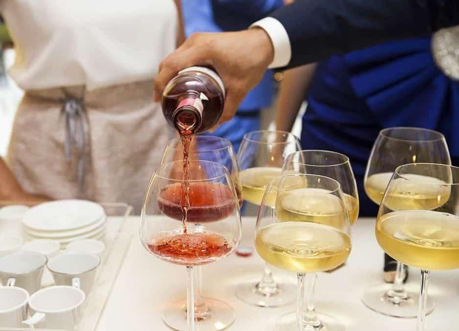 Consigli di abbinamento vino-cibo per il pranzo di Natale. Leggi i suggerimenti del sommelier AIS Gianpaolo Breda