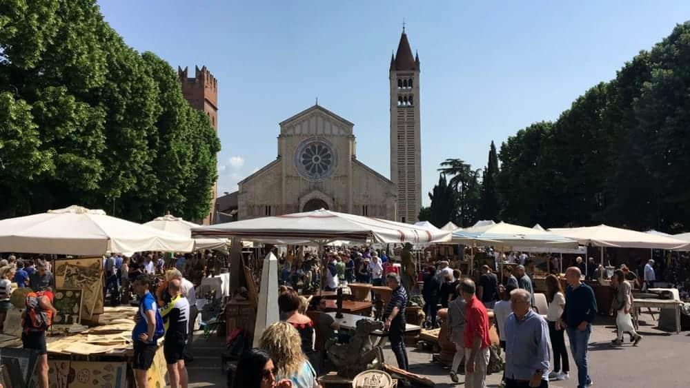 Mercatino dell'antiquariato a Verona