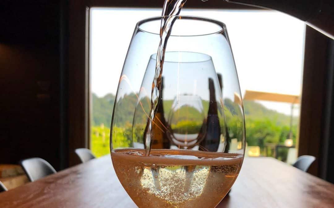 Vini Ancestrali: bollicine di nicchia che richiamano la tradizione. Ce ne parla Alberto Costa, Sommelier e Degustatore AIS