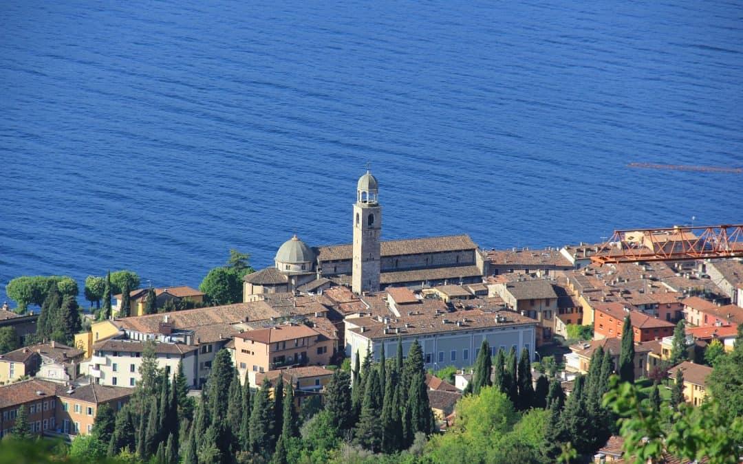 Da Manerba a Desenzano: cosa vedere sulla sponda bresciana del lago di Garda