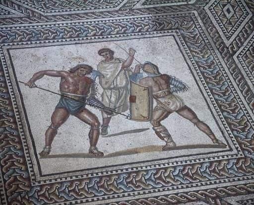 A Negrar di Valpolicella trovati i mosaici di una Villa Romana. Già nel 2011 la Cantina Valpolicella Negrar aveva dedicato al primo ritrovamento una linea di Amarone