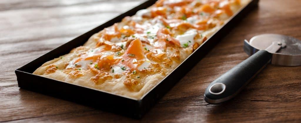 Pizza in teglia con Salmone